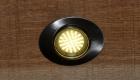LED-Lampe vom Typ ovaler Einbaustrahler in der Holzhandlung Blömer